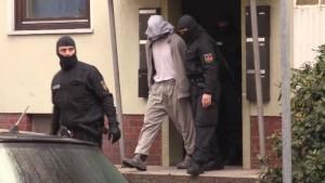 Streit unter Salafisten löst Großeinsatz der Polizei aus