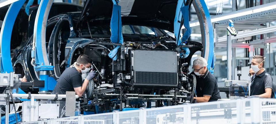 Die Mitarbeiter von Daimler hatten 2020 weniger in der Kasse, der Vorstand erhielt mehr Geld.