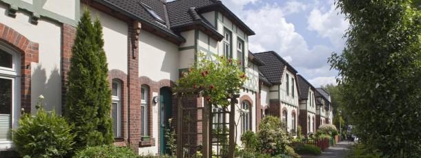 Häuschen in Delmenhorst: Für mehr als 35 Millionen Grundstücke und Gebäude werden mit der Reform neue Steuerbescheide fällig