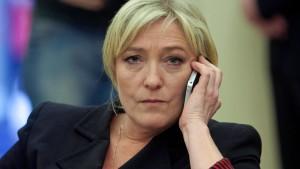Marine Le Pen droht Wahlkampf-Aus