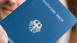 """Polizei durchsucht 25 Wohnungen von """"Reichsbürgern"""""""