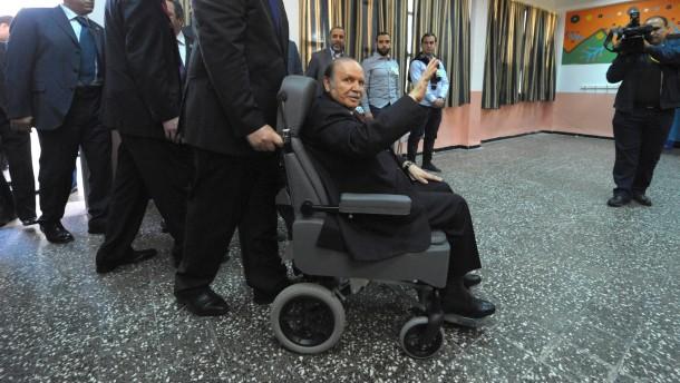 Bouteflika zum Wahlsieger erklärt