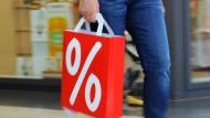 Wer beim Einkaufen sparen möchte, hat viele Möglichkeiten