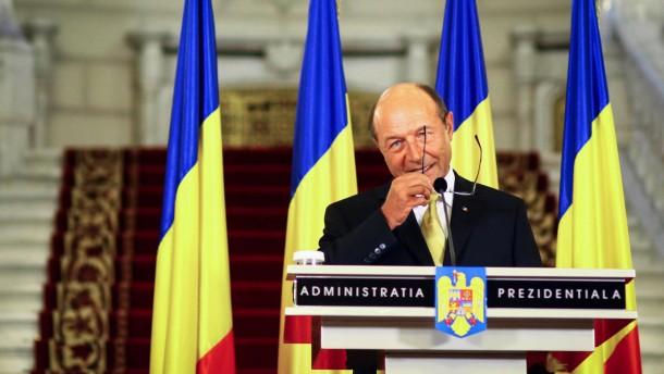 Regierung leitet Amtsenthebung Basescus ein