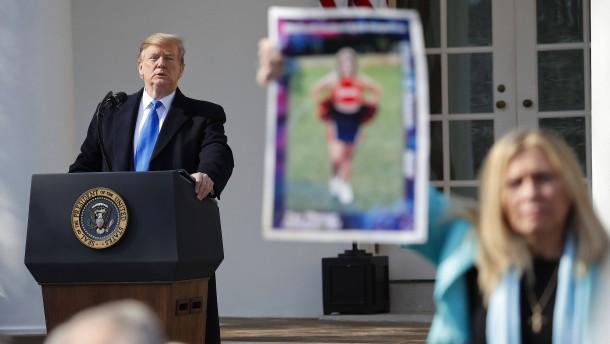 Mit dem nationalen Notstand geht Donald Trump aufs Ganze
