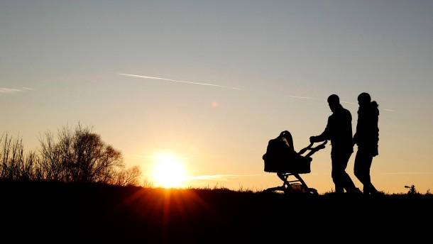 CSU-Landesgruppen-Vorsitzende Hasselfeldt will flexiblere Arbeitszeiten fuer Eltern