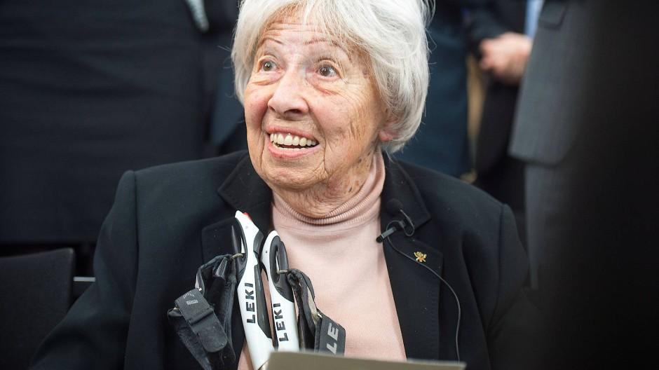 Am Donnerstag 100 Jahre alt: die Frankfurter Ehrenbürgerin Trude Simonsohn, die Auschwitz überlebte und später Schülern vom Holocaust berichtete