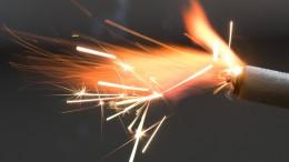 Einbrecher setzen Pyrotechnik in Brand