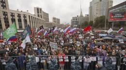 Tausende demonstrieren in Moskau