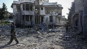 """Autobombe explodiert in Kabuls """"grüner Zone"""""""