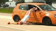 Vorsicht beim Auto-Korso!