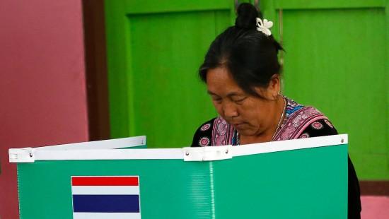 Militärregierung ruft Thailänder an die Urnen