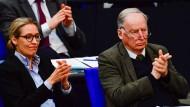 Populistische Formeln im Bundestag: die AfD-Abgeordneten Alice Weidel und Alexander Gauland