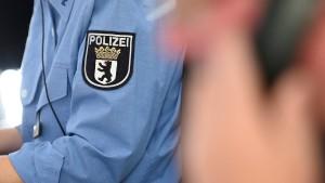 Praktikantin postet vertrauliche Polizei-Unterlagen bei Whatsapp