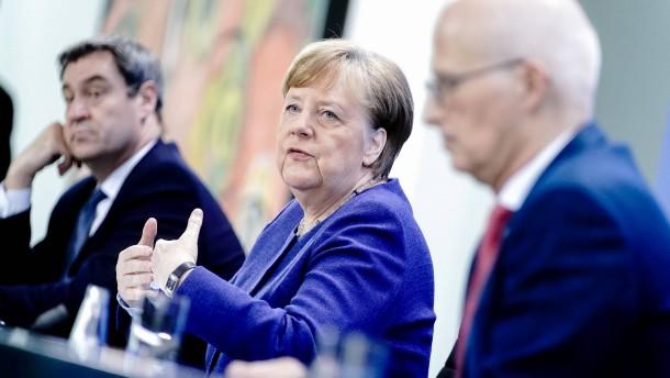 Merkel, Söder und Tschentscher stehen Rede und Antwort
