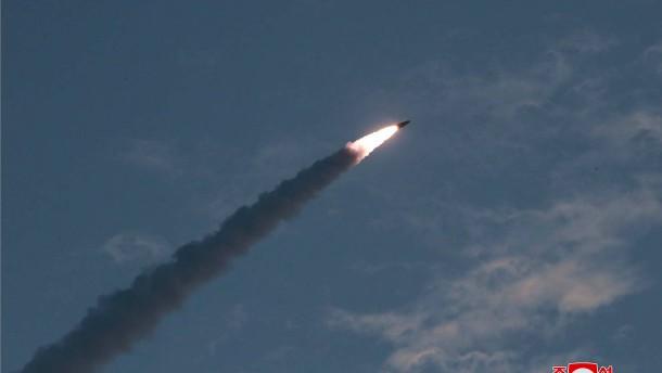 Nordkorea feuert abermals zwei Kurzstreckenraketen ab