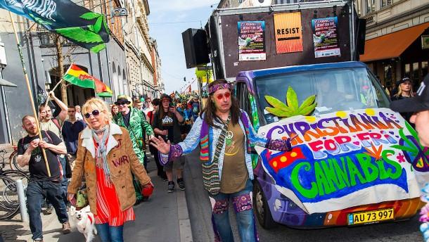 Polizei räumt Hasch-Buden in Christiania
