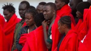 Zur Not müssen die Flüchtlinge ins Gefängnis
