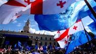 Großdemonstration 2012 in Tiflis gegen den damaligen Präsidenten Sakaschwili