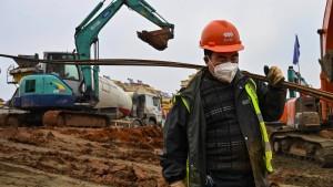 Wuhan stampft Kliniken aus dem Boden