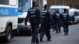 Polizei sucht an Autobahn nach vermisster Rebecca