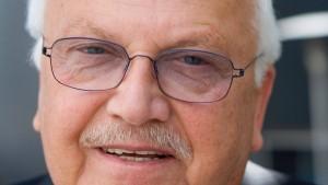Einzelhandelspräsident Albrecht gibt alle Ämter auf