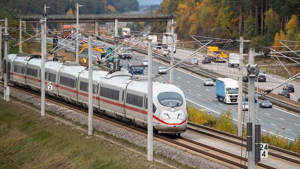 Lebenslange Haft nach Anschlägen auf ICE-Züge