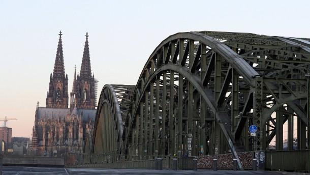 Düsseldorf entmachtet die Fachämter