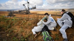 Kohle-Gegner dringen in Tagebau ein