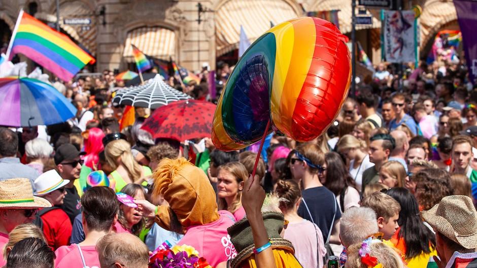 Rekord: 50.000 Menschen sind zum CSD in die Frankfurter Innenstadt gekommen.