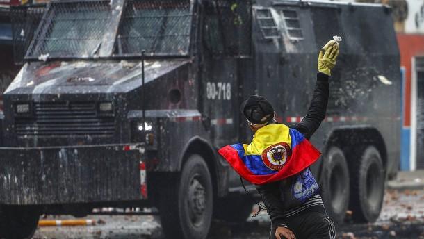 Wieder Tote bei regierungskritischen Protesten in Kolumbien