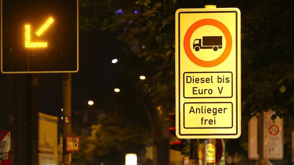 Hamburg stellt Dieselfahrverbote scharf