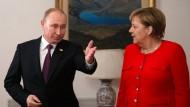 Bundeskanzlerin Angela Merkel traf am Samstag mit Wladimir Putin, Präsident Russlands, zu einem gemeinsamen Frühstück beim G-20-Gipfel zusammen.