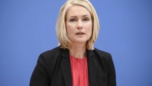 Bund lenkt ein bei Unterhaltsvorschuss für Alleinerziehende