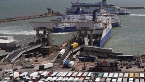 Brexit-Notauftrag für Reederei ohne Schiffe