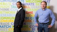 Vermittler: Patrick Mijnals (links) und Thorsten Schreiber betreiben eine Plattform für Crowdfunding.