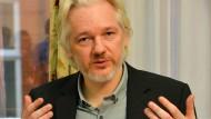 Assange bietet sich als Informant an