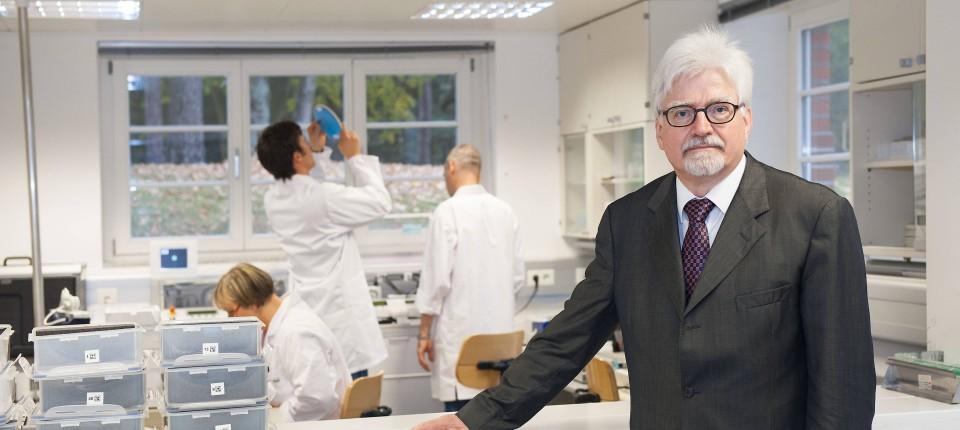 Немецкий ученый испытал на себе вакцину от коронавируса