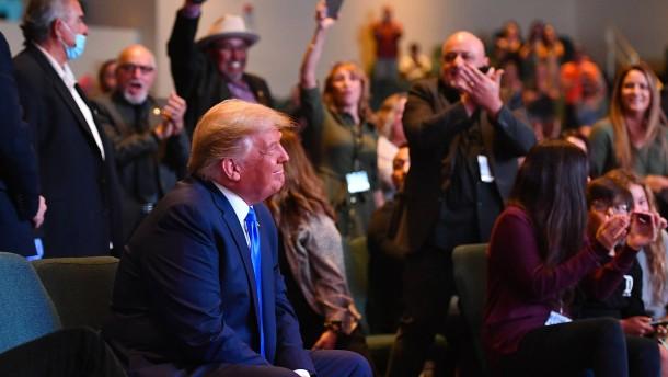 Wie Trump für die Wahl aufholen will