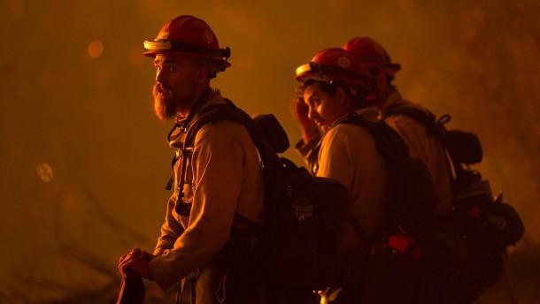 Waldbrände in Kalifornien lassen nicht nach