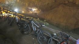 Fußballmannschaft in Höhle verschollen