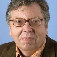 """Lorenz Jäger - Portraitaufnahme für das Blaue Buch """"Die Redaktion stellt sich vor"""" der Frankfurter Allgemeinen Zeitung"""