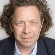 """Jochen Remmert - Portraitaufnahme für das Blaue Buch """"Die Redaktion stellt sich vor"""" der Frankfurter Allgemeinen Zeitung"""