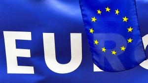 Immer mehr kommen per Blue Card nach Deutschland