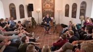 Andachtsraum: Der Musiker Erlend Øye erzählt Geschichten
