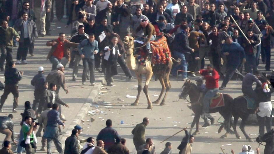 Gewalt und Gegengewalt: Auf dem Tahrir-Platz im Februar 2011
