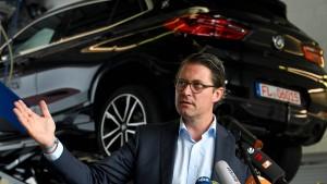 Die Politik erhöht den Druck auf die Autobauer