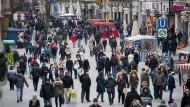 In Deutschland zählen ungefähr 40 Millionen Menschen zur Mittelschicht.