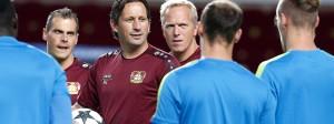 Selbstbewusst in Monaco: Trainer Schmidt beim Abschlusstraining mit seiner Mannschaft
