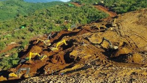 Schon mehr als 90 Tote bei Erdrutsch